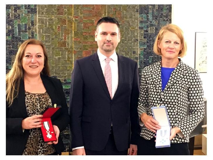 """Organizatia Umanitara Concordia Romania a primit Ordinul Naţional """"Serviciul Credincios"""" în grad de Cavaler şi Ordinul Naţional """"Pentru Merit"""" în grad de Cavaler"""