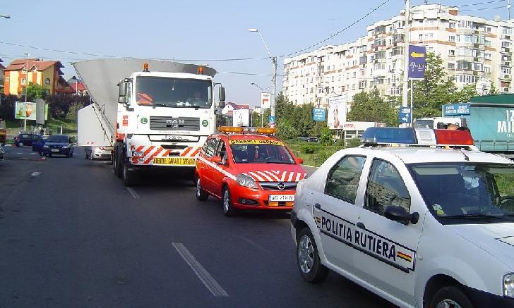 Atentie.Un transport agabaratic va  tranzita DN 71 pe ruta Sinaia-Brasov