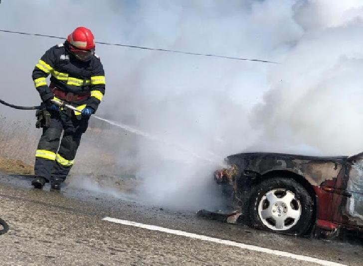 Incendiu la un autoturism în Ploieşti