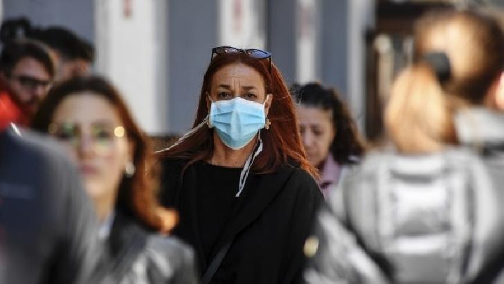 În nouă localităţi din Prahova ,masca de protecţie este obligatorie în toate spaţiile din aer liber