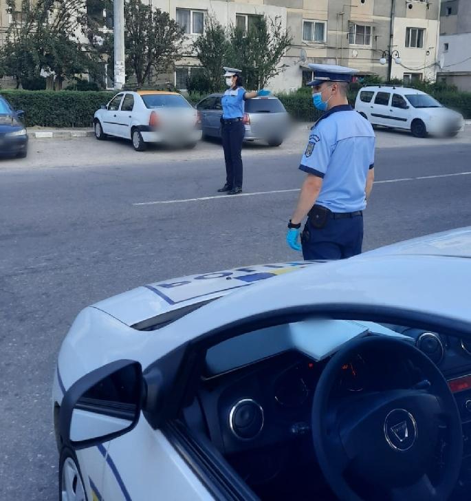 IJP PRAHOVA.ACTIVITĂŢI  DESFĂŞURATE DE POLIŢIŞTI PENTRU PREVENIREA RĂSPÂNDIRII SARS-COV-2 .17 octombrie 2020