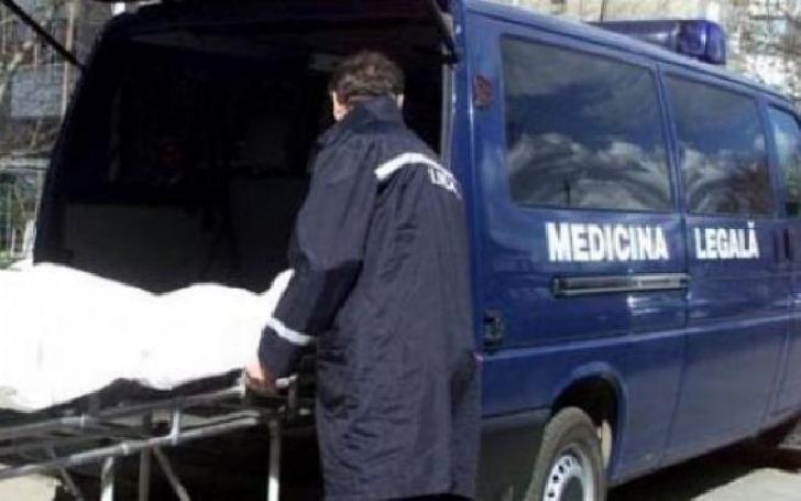 La Ploieşti, un bărbat a fost găsit decedat în propria locuinţă