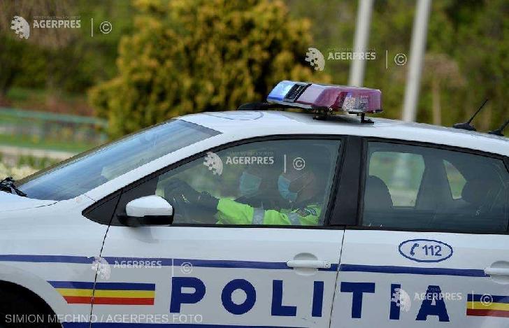 Doi bărbaţi au fost prinşi în flagrant de poliţiştii ploieşteni când vroiau să fure bunuri din două autovehicule