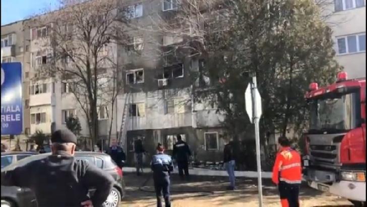 Explozie la un apartament de pe strada Sondelor din Ploieşti