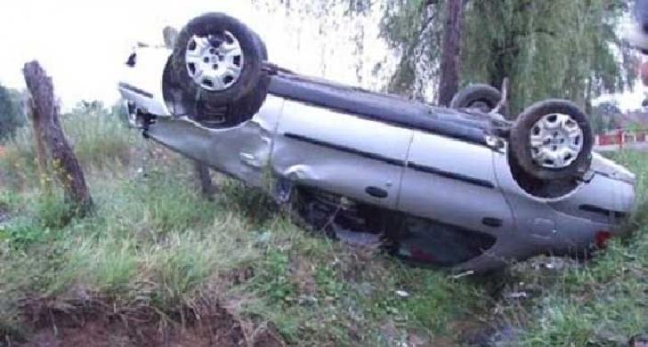 Un autoturism s-a răsturnat la Cheia