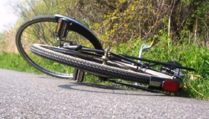 Accident rutier la Tătărani. Un biciclist beat a fost lovit de un autoturism