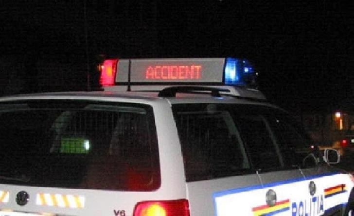 Accident rutier la Boldesti Scaieni.Un pieton a fost acrosat de un autoturism