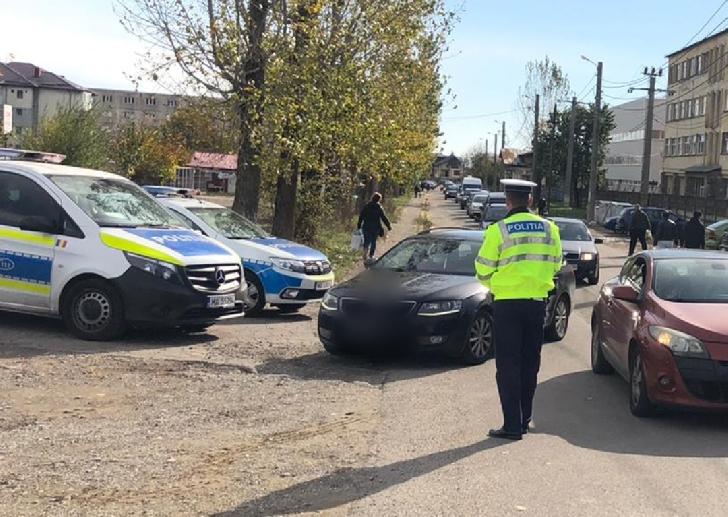 IPJ PRAHOVA.ACTIVITĂŢI  DESFĂŞURATE DE POLIŢIŞTI  PENTRU PREVENIREA RĂSPÂNDIRII SARS-COV-2