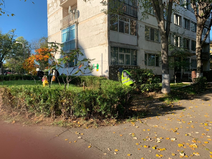 Programul de curăţenie şi igienizare generală a municipiului Ploiesti continuă săptămâna aceasta