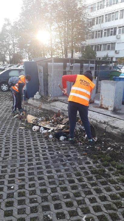 """Programul """"Curăţenie generală """"Ploiesti  s-a desfăşurat, în acest weekend, cu precădere în cartierul Vest"""