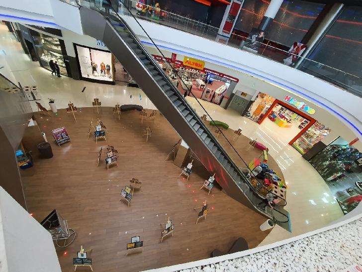 """Ploieşti Shopping City găzduieşte expoziţia de afişe de colecţie """"Istoria Jazz-ului"""" şi două recitaluri, în aşteptarea Ploieşti Jazz Festival"""