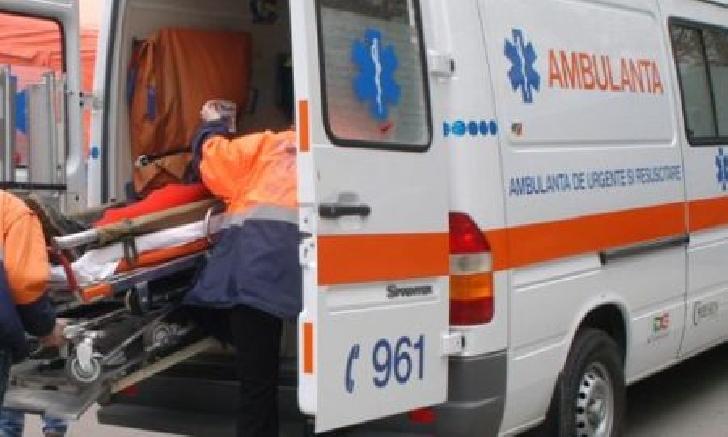 Accident rutier la Vălenii de Munte. O femeie a fost acroşată de un autoturism