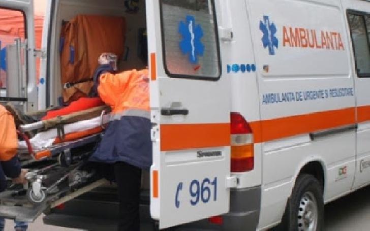 Accident rutier la Valea Călugărească. Un autoturism a intrat în gardul unui dispensar medical