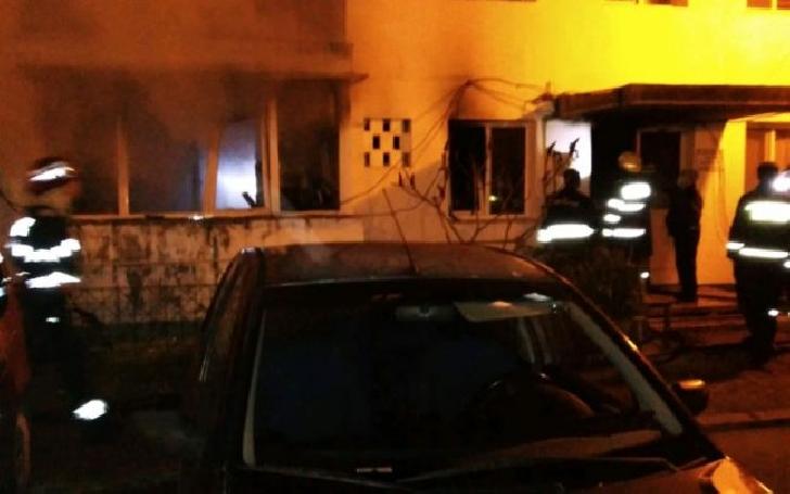 Incendiu violent, noaptea trecută, la Câmpina. O femeie şi-a pierdut viaţa