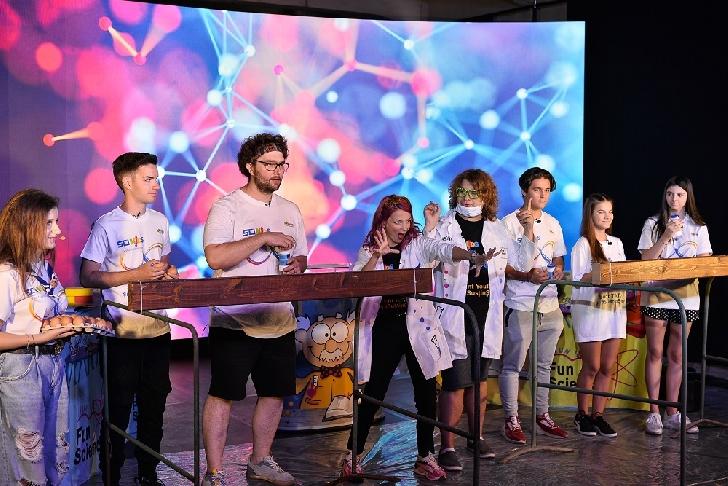 A 8-a ediţie SCIKiDS Festivalul Ştiinţei s-a desfăşurat în premieră online, cu 8 ore de conţinut video live