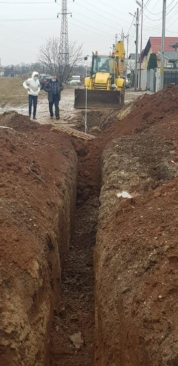 Accident de muncă neobişnuit în Ploieşti. Un bărbat a decedat după ce a fost surprins de un mal de pământ