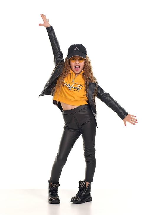 Roberta Andreea Popescu (Clubul Artist), la doar 8 ani a apărut în revista Prestige Models Magazine şi are o rubrica la un post de radio