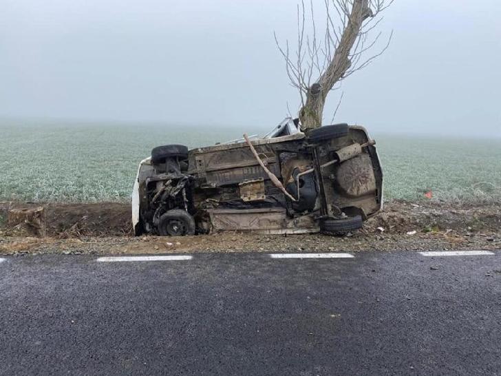 Accident rutier în satul Meri. Un autoturism s-a răsturnat în şanţ, şoferul a decedat