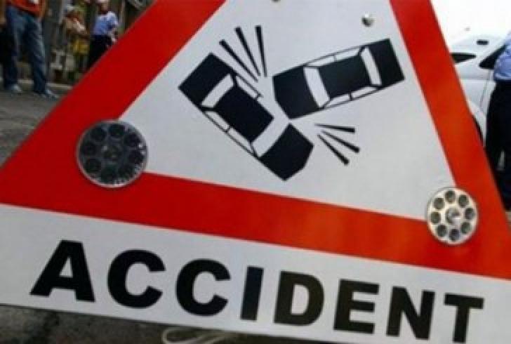 Un şofer a fugit de la locul accidentului după ce a acroşat o femeie pe o trecere de pietoni, de  pe Şoseaua Vestului