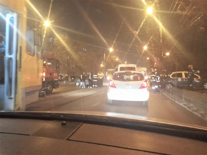 Accident rutier pe Şoseaua Vestului .4 persoane au primit îngrijiri medicale