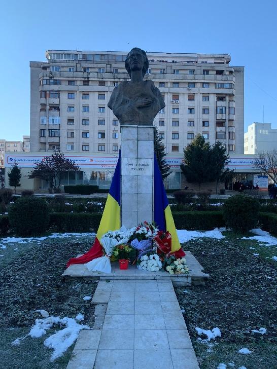 Primăria Municipiului Ploieşti, Consiliul Judeţean Prahova şi alte instituţii de cultură locale au organizat manifestări dedicate Zilei Culturii Naţionale