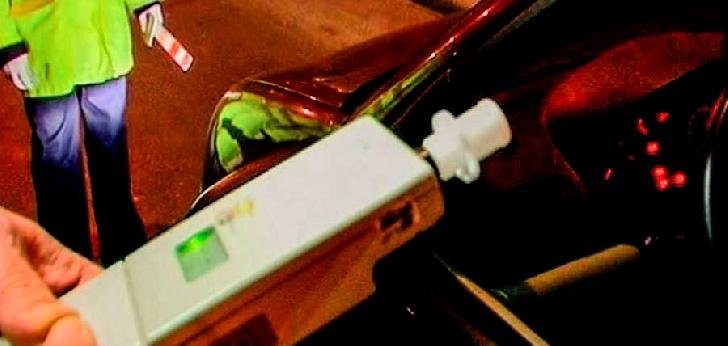 Un bărbat a fost reţinut pentru conducere fără permis şi conducere sub influenţa alcoolului