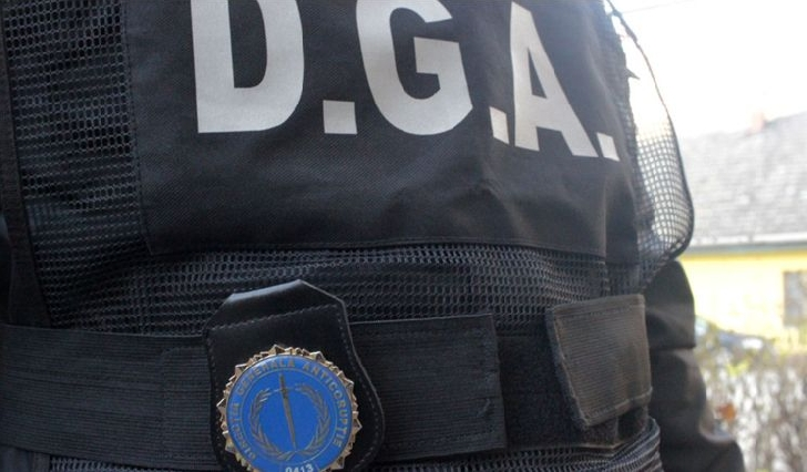 Perchezitii DGA Prahova la  doi funcţionari Electrica ,  într-un dosar de mită şi furt de energie electrică