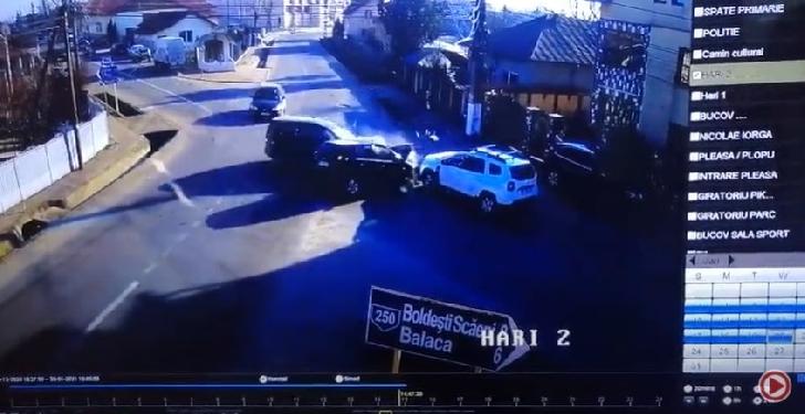 Accident grav la Bucov. 3 autoturisme s-au acroşat violent (video)