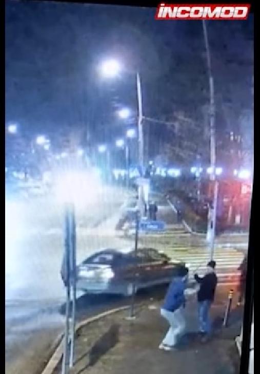Scandal cu bâte şi sticle sparte în apropierea Primăriei Câmpina (video)