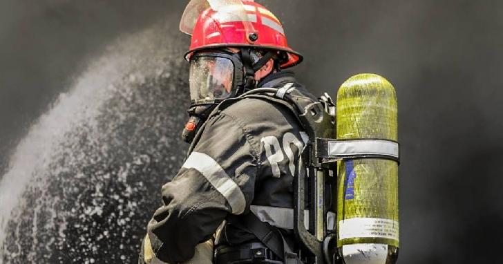 Incendiu la o casă particulară din comuna Bătrâni