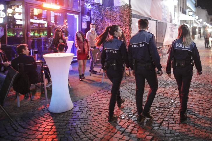 Poliţiştii au întrerupt un botez,la un restaurant din Ploieşti