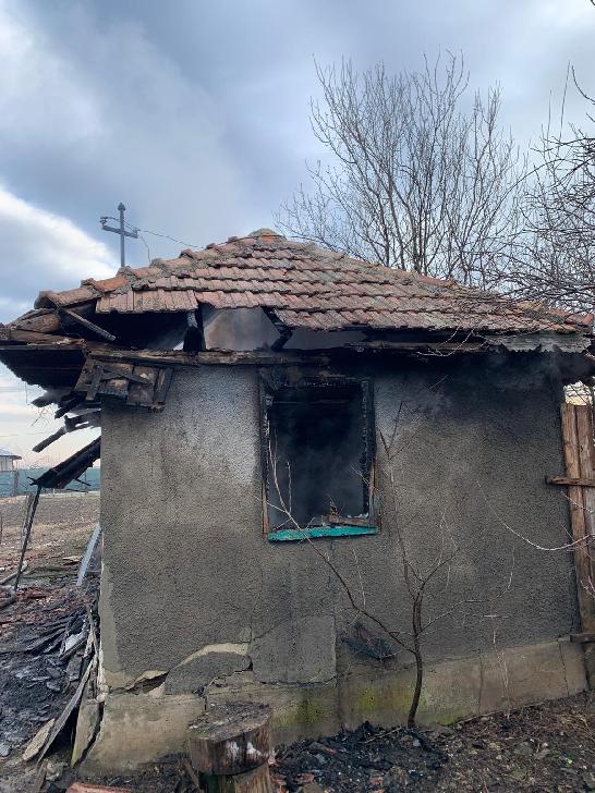 Un bărbat a decedat într-un incendiu, în comuna Colceag