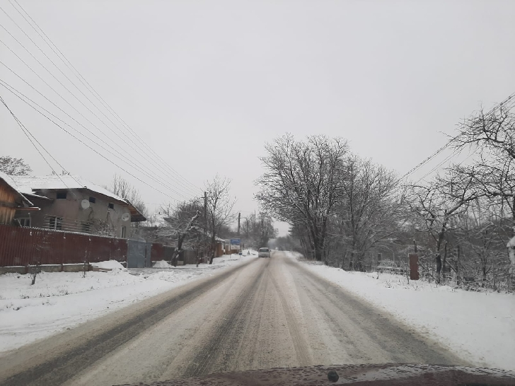 Poliţia Rutieră Prahova a amendat Consiliul Judeţean Prahova şi CNAIR pentru drumurile pline de zăpadă şi gheaţă