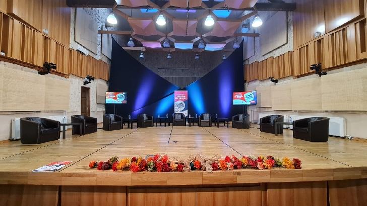 """Filarmonica """"Paul Constantinescu"""" Ploieşti a organizat o conferinţă de presă dedicată prezentării proiectului """"Muzica ne uneşte"""""""