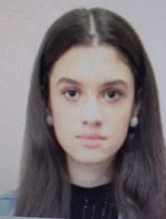 O minoră din Ploieşti este dată dispărută. Dacă o vedeţi sunaţi la Poliţie