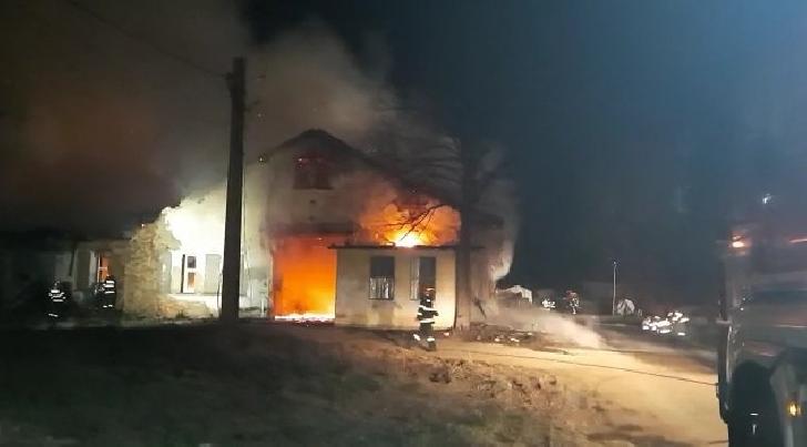 Noi detalii despre incendiul de la Colceag. Două victime vor fi transportate în străinătate. Incendiul ar fi pornit de la un aparat de sudură