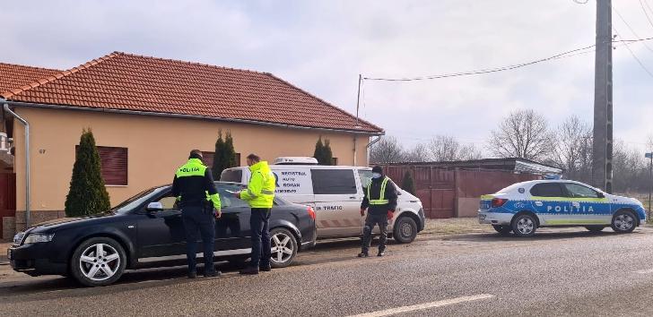 Registrul Auto Român a verificat în trafic, din punct de vedere tehnic, pe parcursul anului trecut peste  64.000 de vehicule, la nivel national