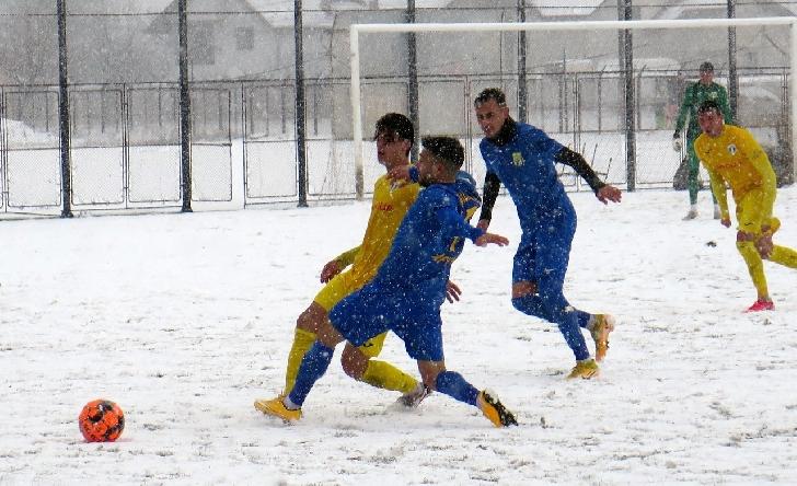 Victorie printre fulgii de zăpadă. Petrolul Ploieşti a învins CS Afumaţi, într-un amical disputat la Strejnicu