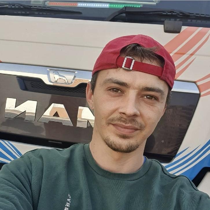 """EXCLUSIV INFO PLOIEŞTI CITY. Interviu cu Cosmin Vicentiu ("""" Gicu """") - Povesti de prin parcări"""