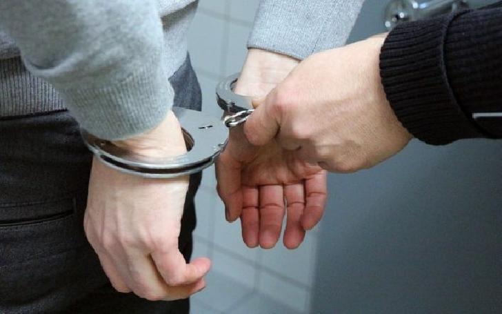 Un bărbat bănuit de săvârşirea infracţiunii de act sexual cu un minor şi incest a fost retinut ,la Valenii de Munte