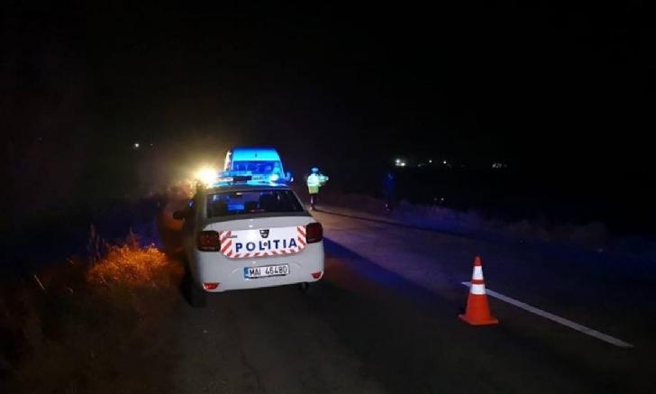 Accident rutier la Valea Călugărească. Două autoturisme au intrat în coleziune, un şofer a rămas încarcerat
