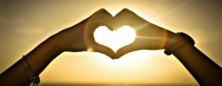 Fiecare are modul lui de a înţelege şi explica,,Ce e iubirea ?,,