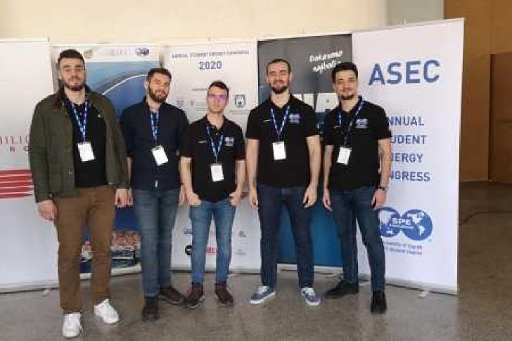 Studentii de la UPG Ploiesti,campioni la concursul international Petrobowl