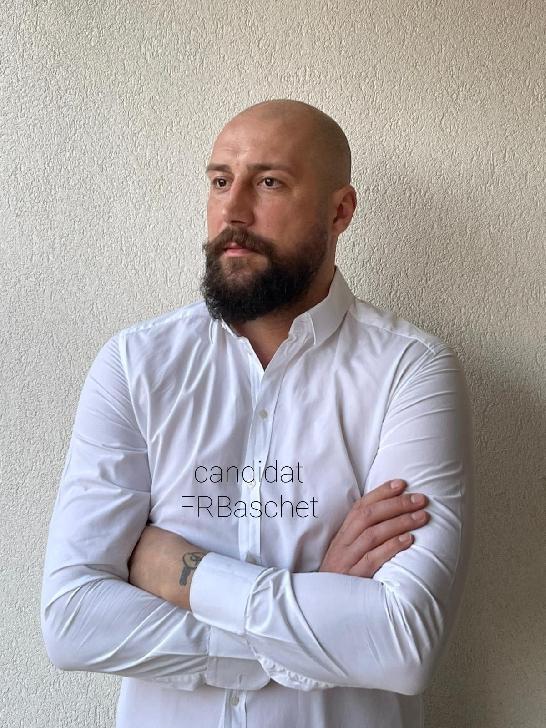 Cătălin Burlacu, fost jucător şi căpitan al echipei de baschet masculin CSU Asesoft Ploieşti, şi-a depus candidatura la şefia Federaţiei Române de Baschet