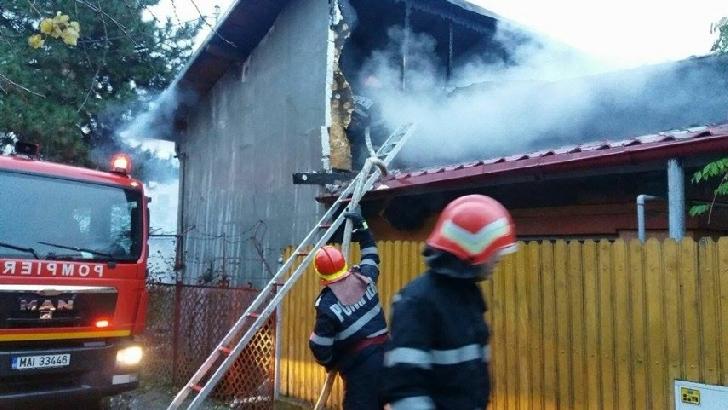 Incendiu la o casă particulară din Azuga. Nu au existat victime