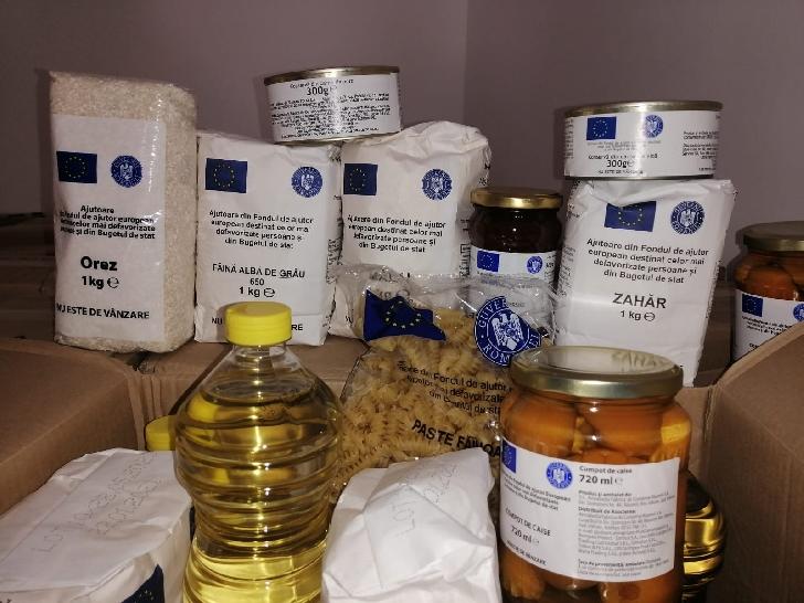 Începe distribuirea alimentelor pentru familiile nevoiase din Ploiesti