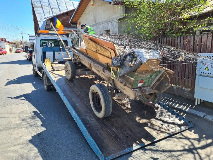 Primăria Municipiului Ploieşti, prin Poliţia Locală Ploieşti,a ridicat  8 căruţe şi 6 căruţuri cu care se realiza transport de deşeuri