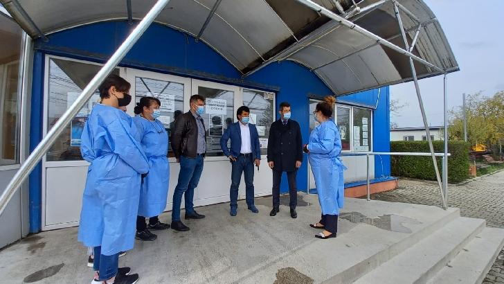 Prefectul judeţului Prahova, Cristian Ionescu, a vizitat centrul de vaccinare de la Ciorani
