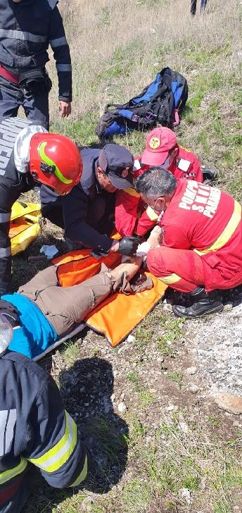 Un bărbat a căzut cu parapanta în comuna Gura Vadului (foto-video)