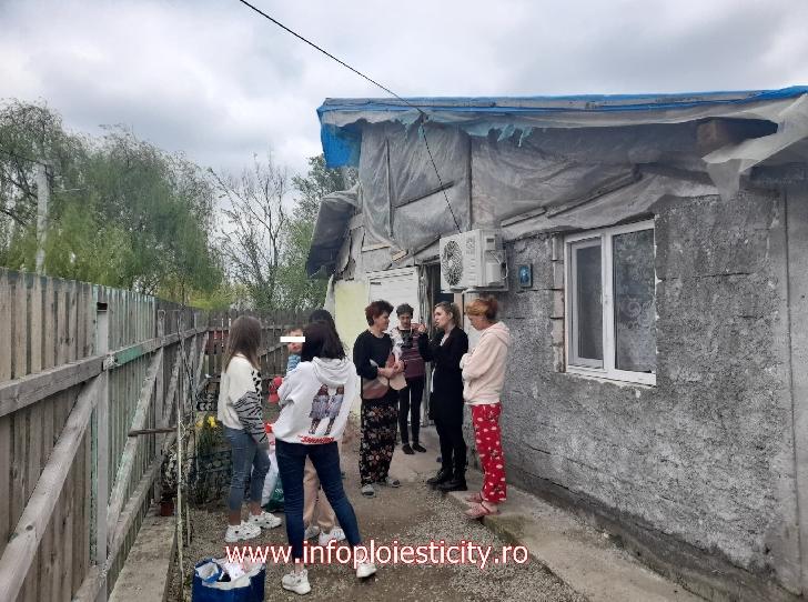 Happy Dance şi IPC au reprezentat Iepuraşul de Paşte pentru o familie nevoiaşă din satul Pietroşani (foto)